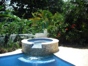 Costa rica travel adventures tours and reservations hotel casa sueca for Jacuzzi jardin occasion